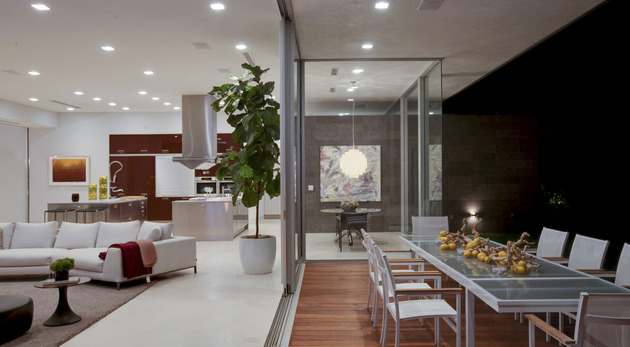 70s-home-transformed-modern-masterpiece-13-el-fresco.jpg