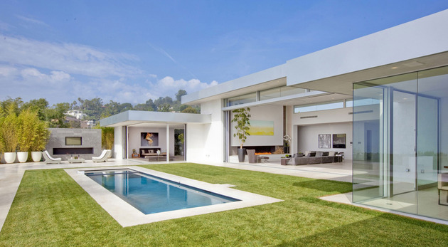 70s home transformed modern masterpiece 2 pool thumb 630xauto 41368 70s Home Transformed into Modern Beverly Hills Masterpiece