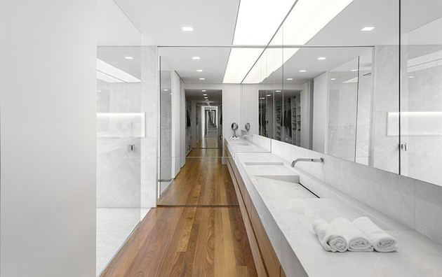 contemporary-hillside-luxury-house-made-from-stone-11-master-bathroom.jpg