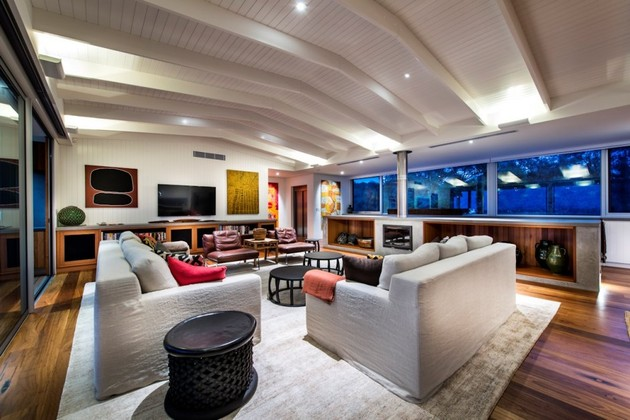 dune-house-wows-with-dynamic-vaulted-ceiling-detail-17.jpg