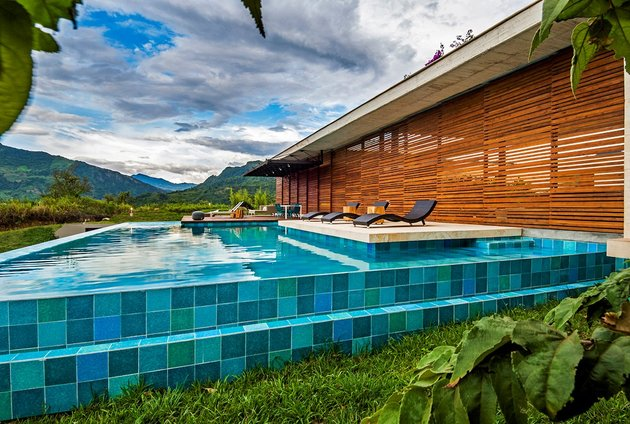 home-completely-open-elements-completely-close-13-pool.jpg