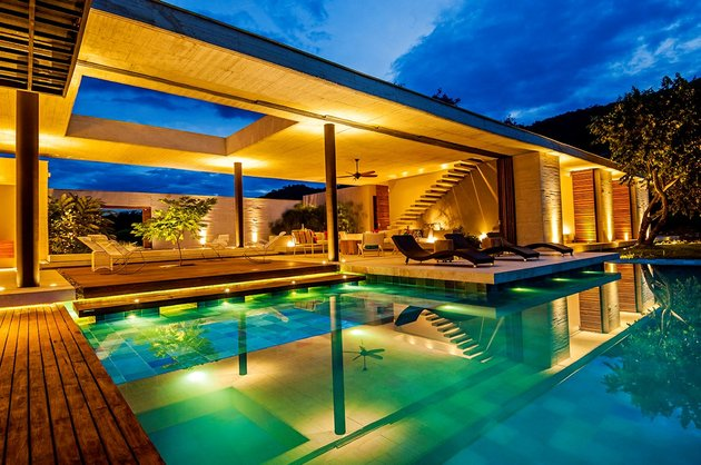home-completely-open-elements-completely-close-7-pool.jpg