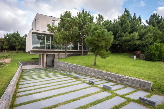 home-outdoor-kitchen-pool-stone-plinth-4-driveway.jpg