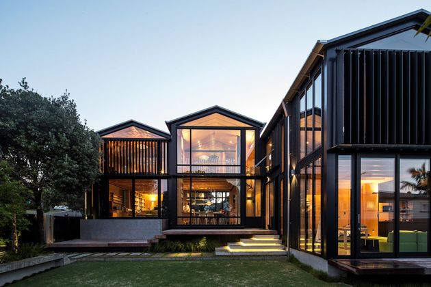 house 3 glass gables faced operable louvers 27 1 back thumb 630xauto 42102 House with 3 Glass Gables Faced with Operable Louvers