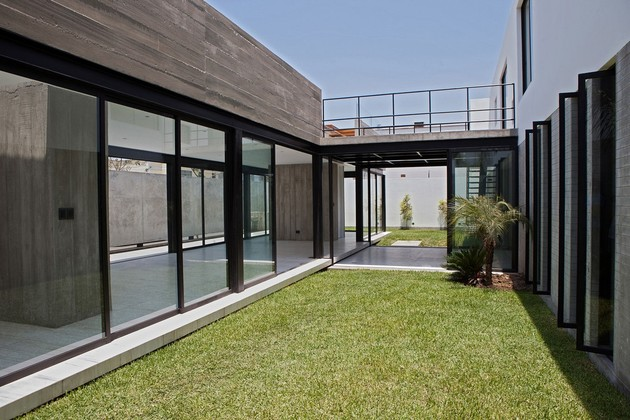 house-with-detached-glass-walled-living-area-15-bridge.jpg