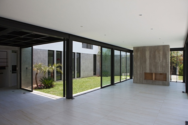 house-with-detached-glass-walled-living-area-16-main-room.jpg
