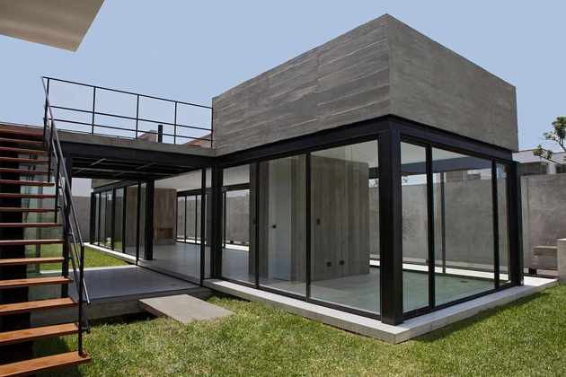 house-with-detached-glass-walled-living-area-7-stairs-corner.jpg