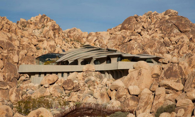 ribcage skeleton house unearthed in the desert for sale 1 thumb 630xauto 42042 Ribcage Skeleton House Unearthed in the Desert, for Sale