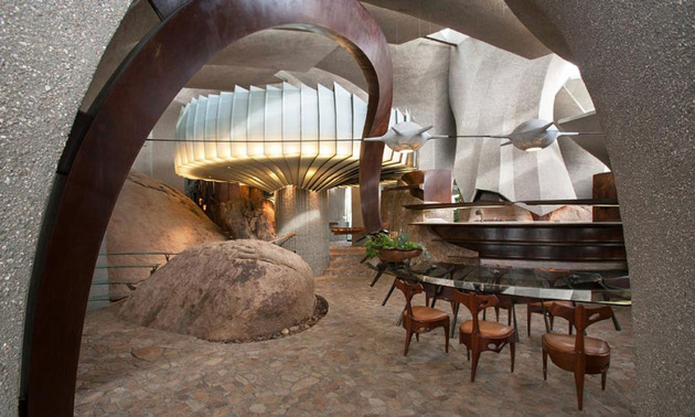 ribcage-skeleton-house-unearthed-in-the-desert-for-sale-15.jpg