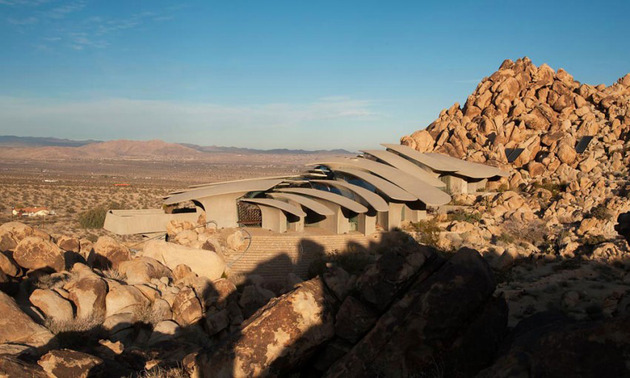 ribcage skeleton house unearthed in the desert for sale 2 thumb 630xauto 42044 Ribcage Skeleton House Unearthed in the Desert, for Sale