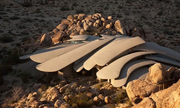 ribcage-skeleton-house-unearthed-in-the-desert-for-sale-3.jpg