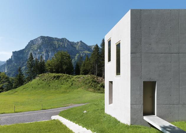 two-concrete-cubes-comprise-main-guest-house-8-entry.jpg