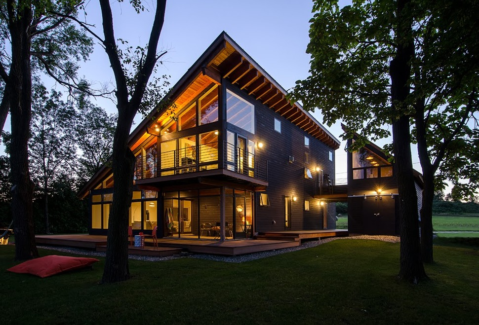 Cool lake home designed to enjoy the views and create art for House pictures designs