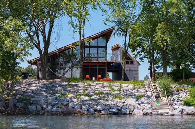 bridged-split-house-lake-designed-around-view-6.jpg