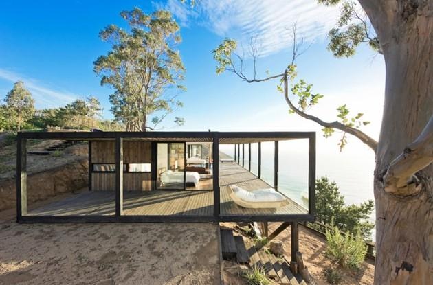 coastal house bluff designed blend landscape 1 thumb 630xauto 44304 Coastal House on Bluff Designed to Blend into Landscape