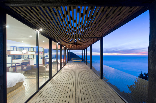 coastal-house-bluff-designed-blend-landscape-5.jpg