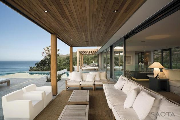 home-embraces-indoor-outdoor-lifestyle-steps-down-slope-13-lounge.JPG