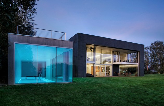 house-closes-concrete-cube-covering-glazed-areas-11-pool.jpg