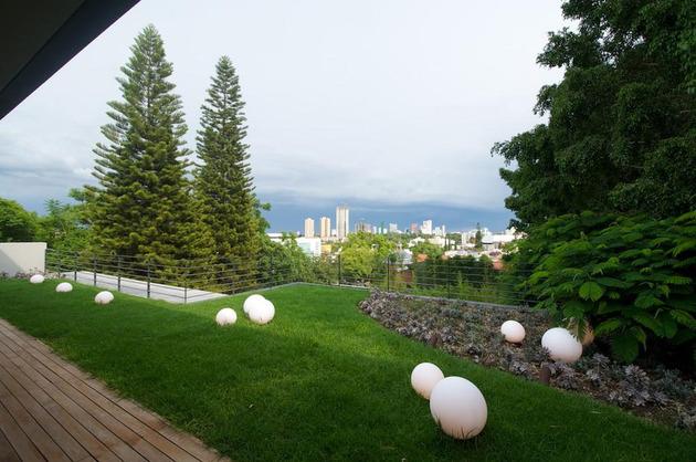indoor-outdoor-zones-accentuated-vertical-gardens-13-backyard.jpg