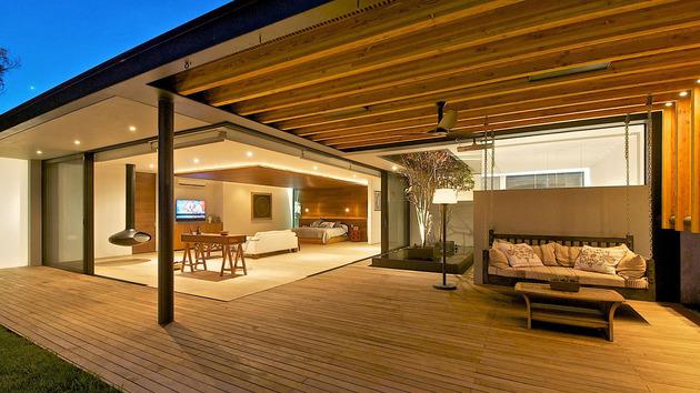 indoor-outdoor-zones-accentuated-vertical-gardens-18-bed.jpg