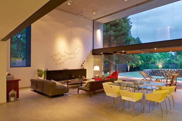 indoor-outdoor-zones-accentuated-vertical-gardens-9-social.jpg