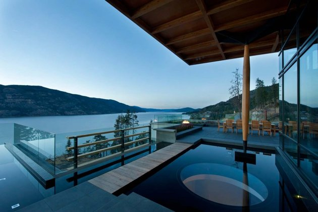 its-all-details-beautiful-lakeside-home-4-view.jpg