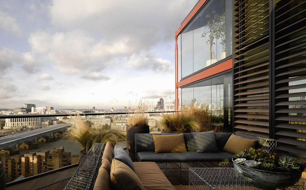 luxurious london penthouse with angular architecture 1 deck view thumb 630xauto 44101 Fantastic London Penthouse Crowns a Luxury Complex