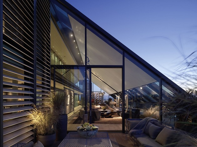 luxurious-london-penthouse-with-angular-architecture-5-sloped-roof.jpg