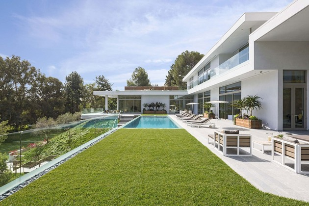 luxury-los-angeles-house-with-rooftop-decks-4-pool-level-grass.jpg
