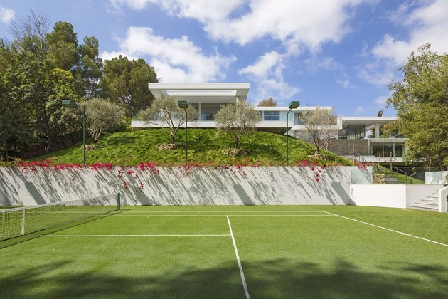 luxury-los-angeles-house-with-rooftop-decks-9-tennis-court.jpg