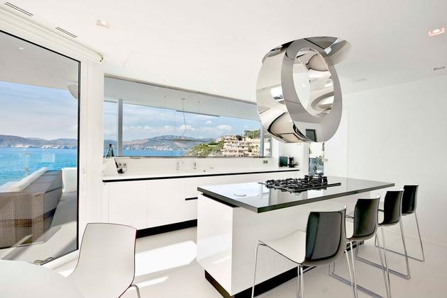 mallorca-paradise-behind-glass-walls-10.jpg