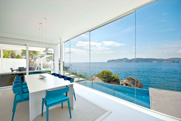 mallorca-paradise-behind-glass-walls-11.jpg