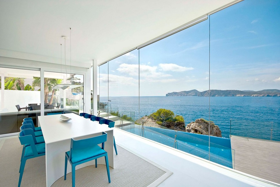 View in gallery mallorca paradise behind glass walls 11 jpg
