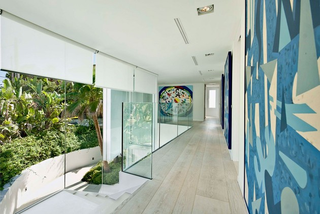 mallorca-paradise-behind-glass-walls-13.jpg