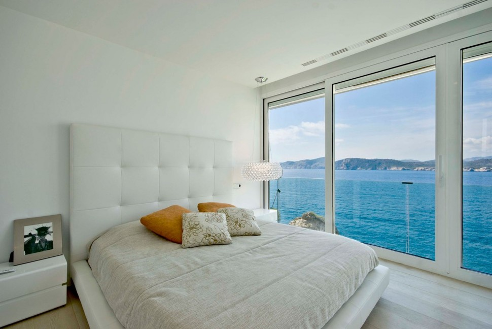 View in gallery mallorca paradise behind glass walls 15 jpg
