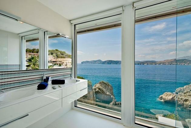 mallorca-paradise-behind-glass-walls-17.jpg