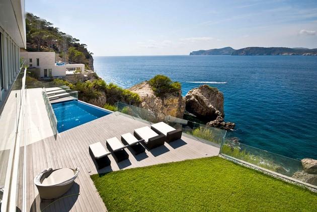 mallorca paradise behind glass walls 2 thumb 630xauto 44569 Mallorca Resort Style Villa is a Seafront Paradise