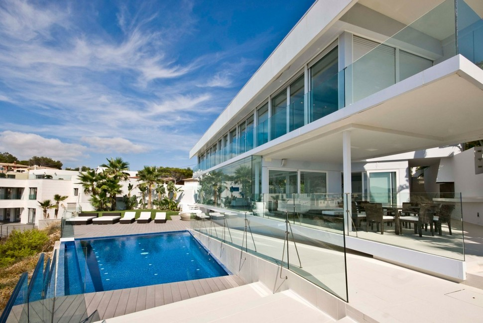 View in gallery mallorca paradise behind glass walls 4 jpg