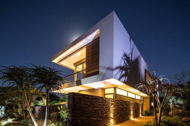 saturated-blues-pool-interiors-lush-green-landscape-3-corner.jpg