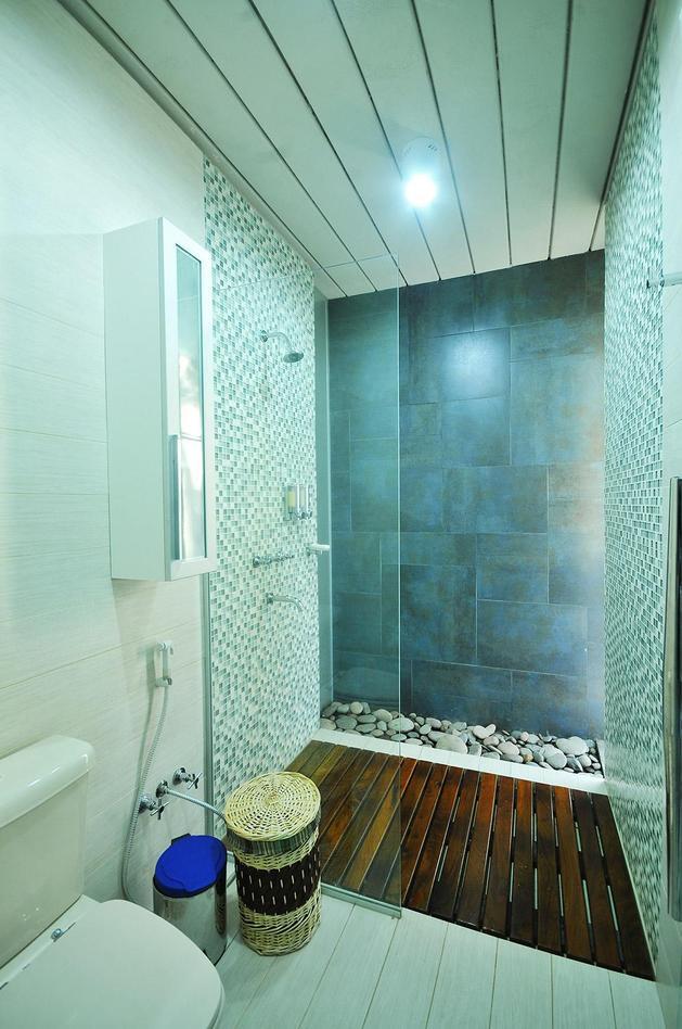 tree-pierces-roof-other-details-brick-home-33-shower.jpg