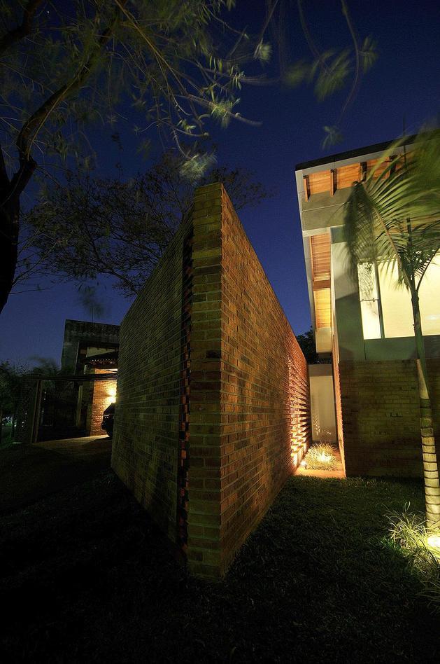tree-pierces-roof-other-details-brick-home-5-corridor.jpg