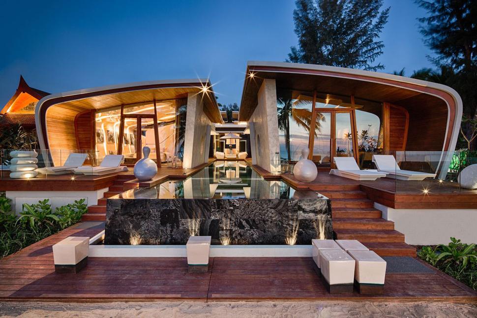 Ultimate Ultramodern Seaside Getaway Villa With Restaurant