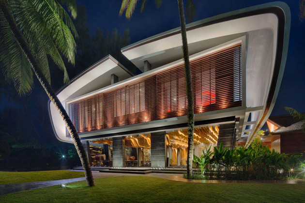 ultimate-ultramodern-seaside-getaway-villa-with-restaurant-9-complex-rear.jpg