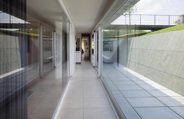 ultramodern-house-made-from-twin-traditional-structures-13-hallway.jpg