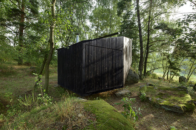 cute-cabin-deep-forest-shelter-elements-3-closed.jpg