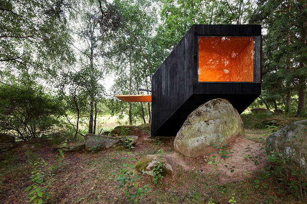 cute-cabin-deep-forest-shelter-elements-5-window.jpg
