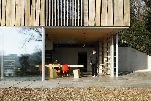 glass-living-edge-wood-clads-house-contrasts-12-entry.jpg