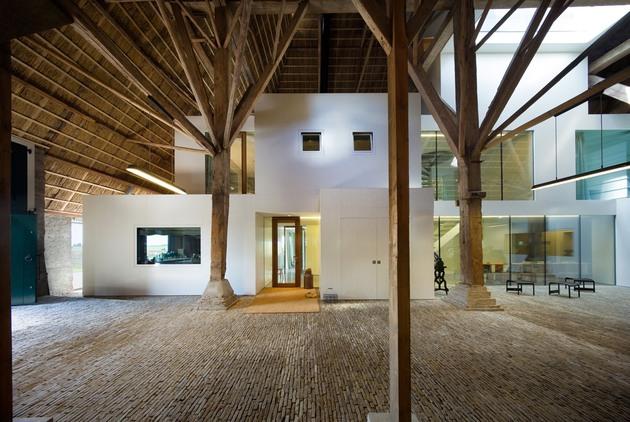 historic-dutch-farm-buildings-hide-modern-homes-10-under-barn-roof.jpg