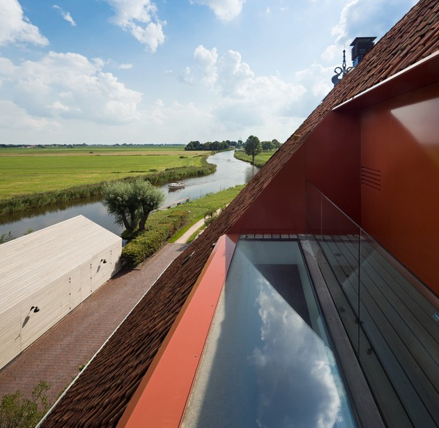 historic-dutch-farm-buildings-hide-modern-homes-7-roof-deck.jpg