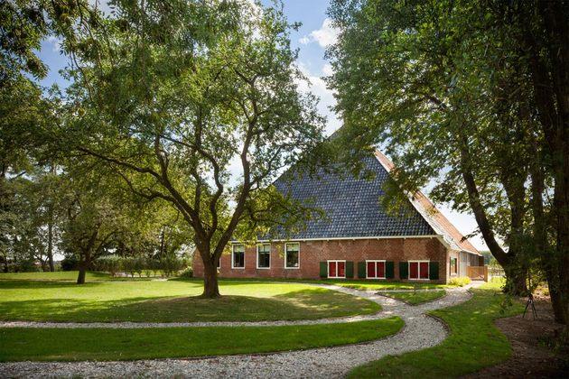 historic-dutch-farm-buildings-hide-modern-homes-9-stables.jpg